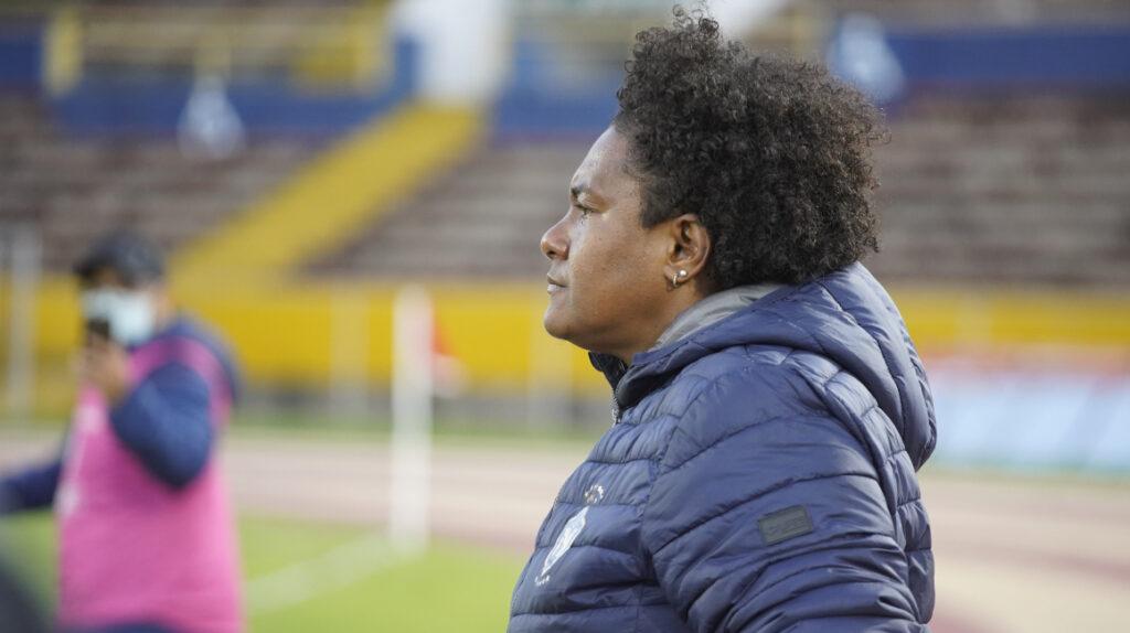 Wendy Villón, la entrenadora que busca el tricampeonato en la Superliga