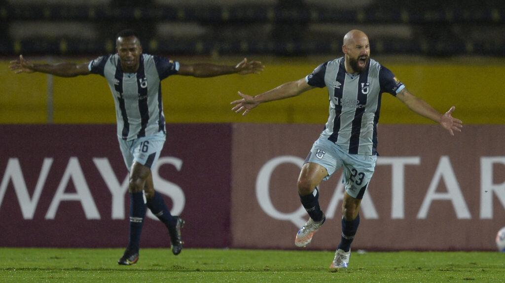 U. Católica avanza a la Fase 2 de la Libertadores y asegura USD 850.000