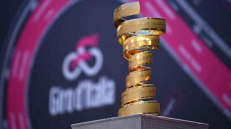 Imagen del trofeo senza fine, que cada año se entrega al ganador del Giro de Italia 2021.