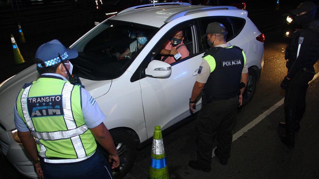 Guayaquil atenúa restricciones que adoptó por Covid-19