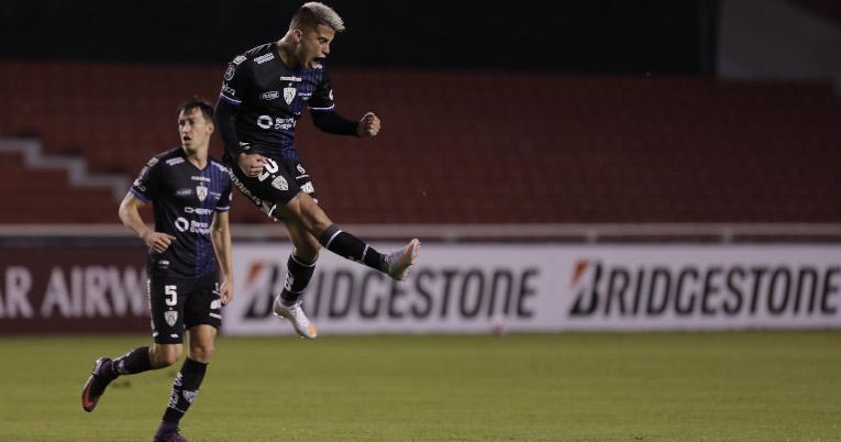 Cristian Ortiz festeja su gol ante Defensa y Justicia, por la Libertadores, el miércoles 21 de abril de 2021.