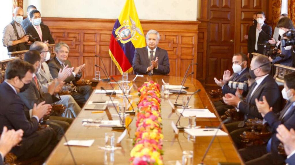 Moreno frena las nuevas contrataciones para iniciar la transición del Ejecutivo