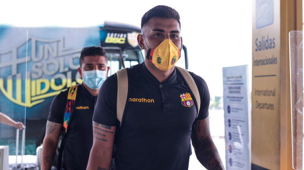 Barcelona viajó a Sao Paulo para su partido ante Santos por Libertadores