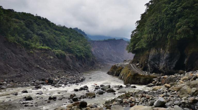 Erosión del río Coca amenaza al campamento de Sinohydro, según Celec
