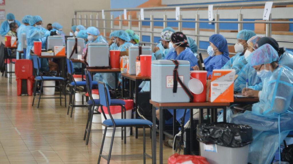 Ecuador firma tres nuevos acuerdos para compra de vacunas