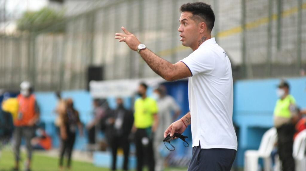 Daniel Viteri: después de 21 años de carrera, ahora es asistente técnico