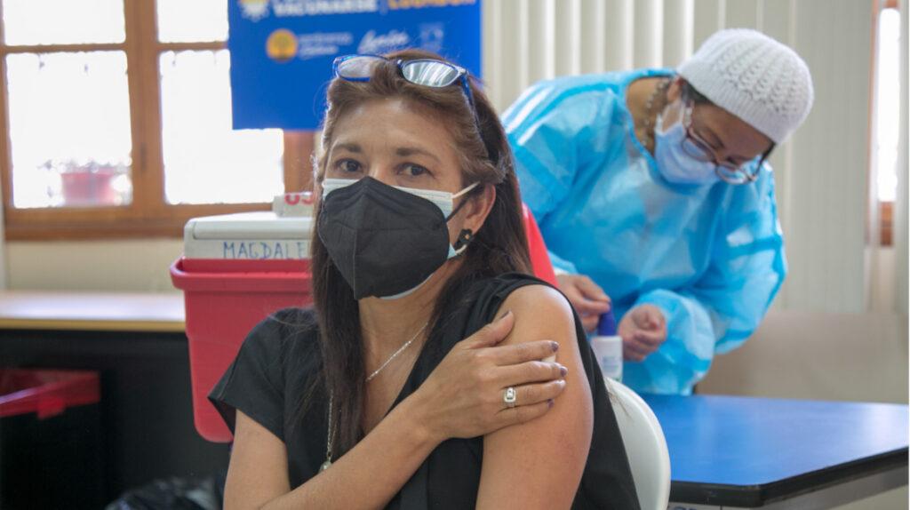 La vacunación a los docentes empezará en Guayaquil y Riobamba