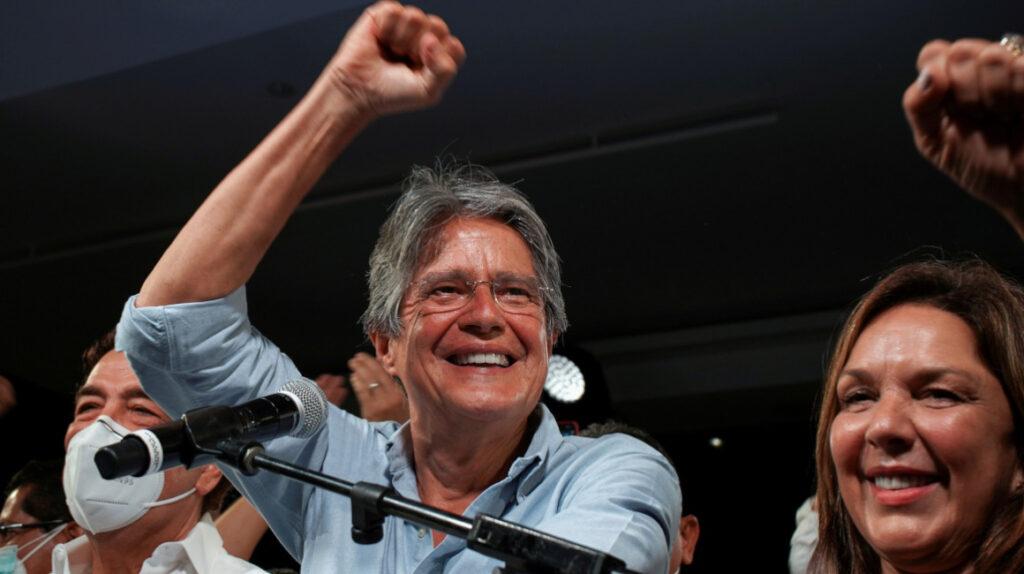 Bonos de Ecuador suben con fuerza tras la elección de Lasso
