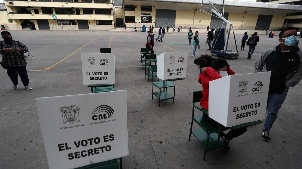 Hasta las 16:30, el 71,35% de los electores votó para elegir presidente