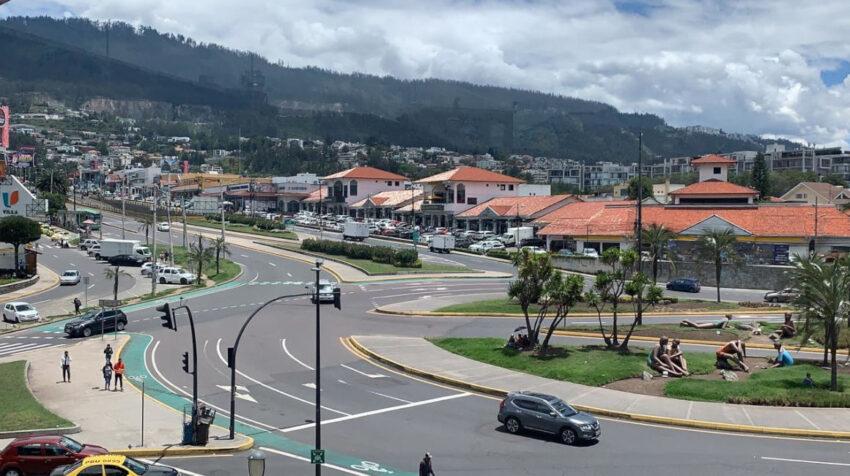 Imagen aérea del Valle de Cumbayá, en Quito, el 8 de abril de 2021.