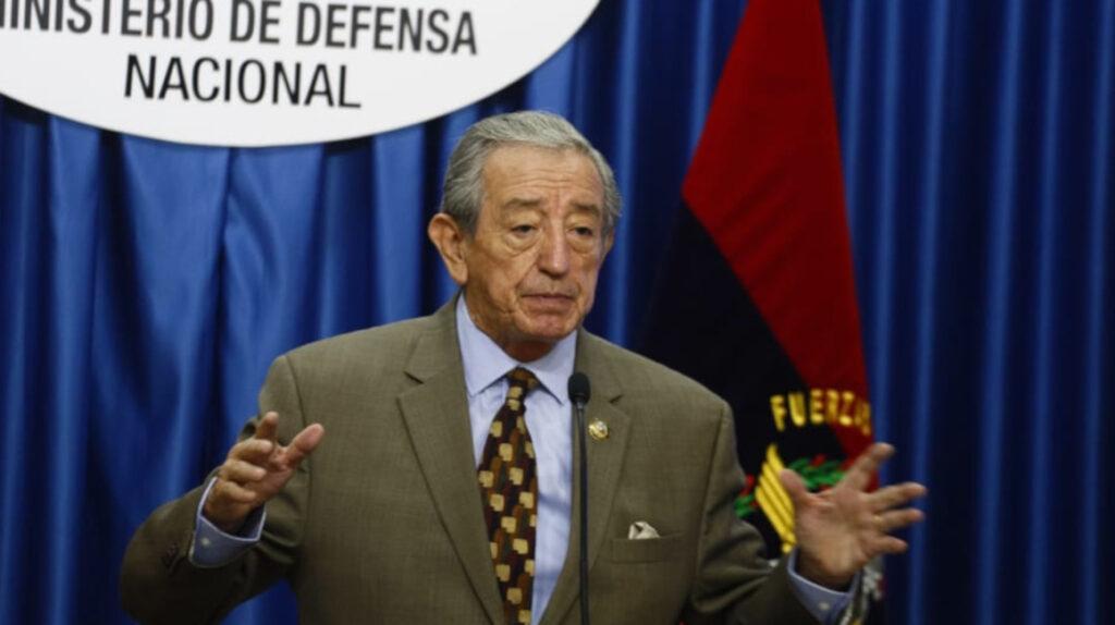 Defensa venderá helicópteros Dhruv y chatarrizará fusiles chinos