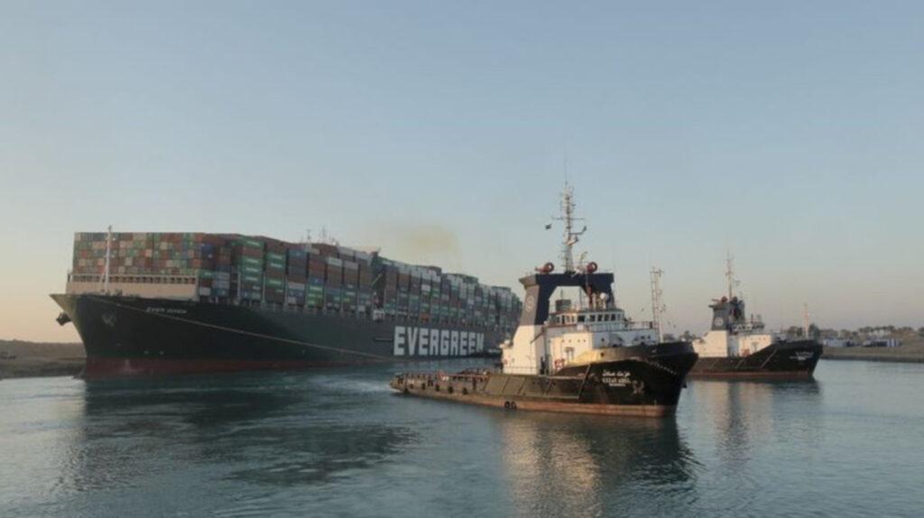 Termina el rezago de embarcaciones en el Canal de Suez