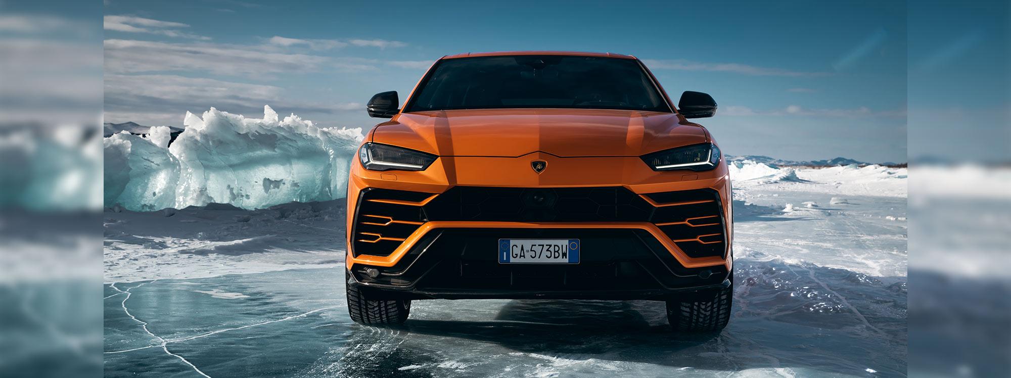 ¿Cómo se comporta el Lamborghini Urus en diferentes superficies?