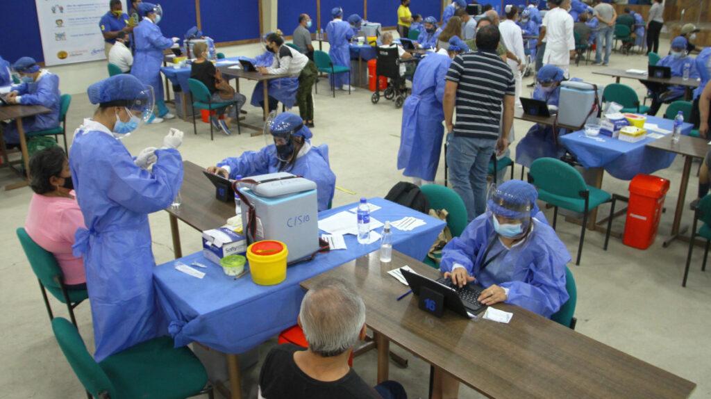 Salud facilitará vacunas a empresas para trabajadores y sus familias