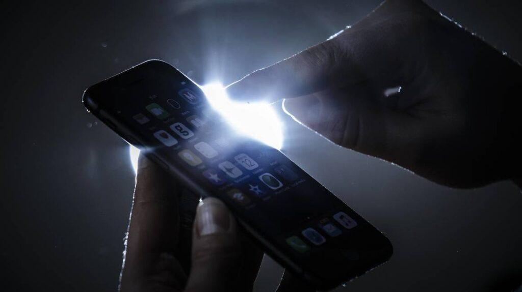 Los celulares inteligentes tienen 70 elementos químicos, 14 son escasos