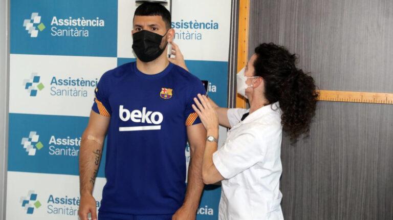 Sergio Agüero pasa los chequeos médicos el lunes 31 de mayo de 2021, como nuevo jugador del FC Barcelona.