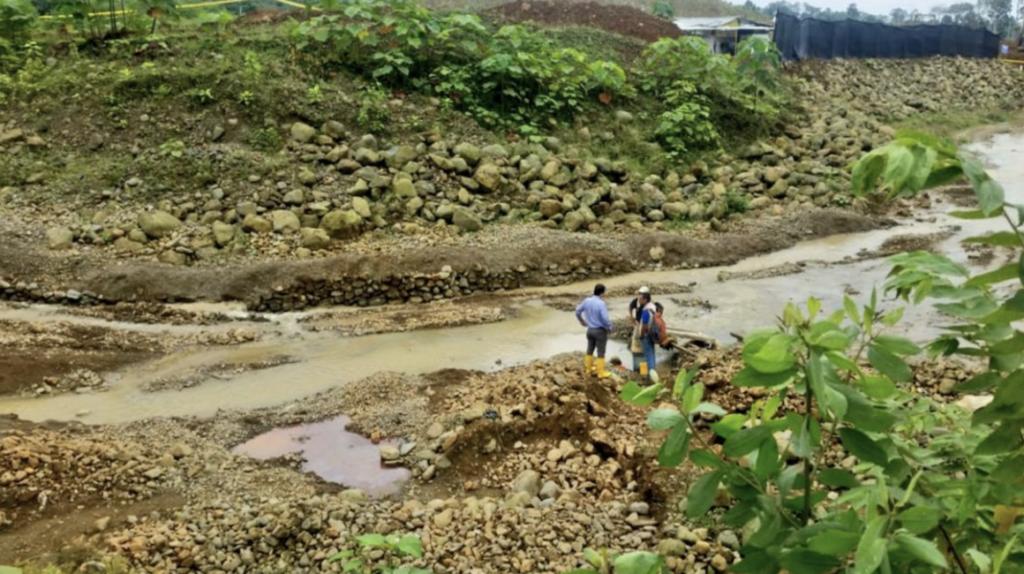 Descargas mineras: estudio halla contaminación en ríos del sur de Ecuador