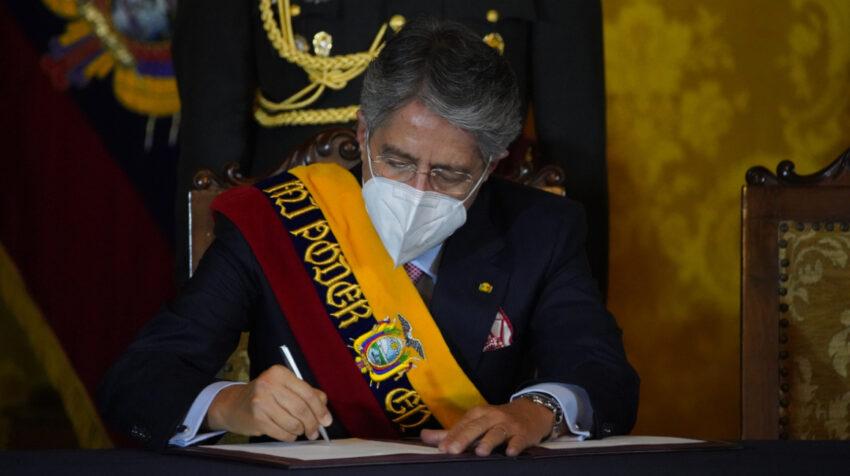 El presidente Guillermo Lasso firmó el envío de la nueva Ley de Libertad de Expresión, este 24 de mayo de 2021.
