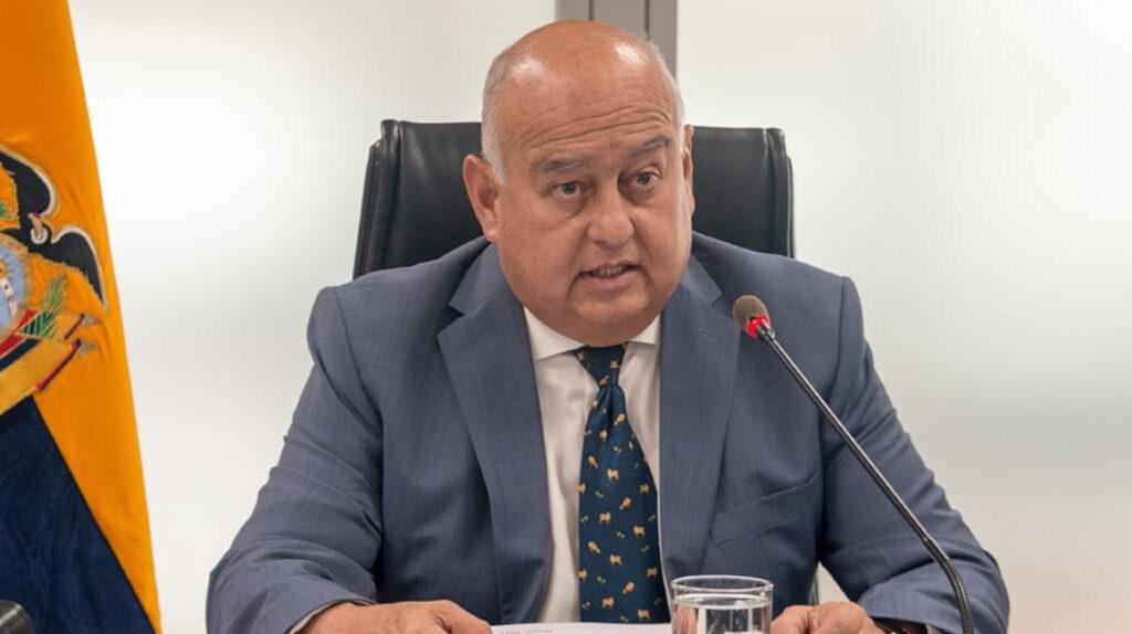 Gobierno de Lenín Moreno se va pagando los sueldos de mayo