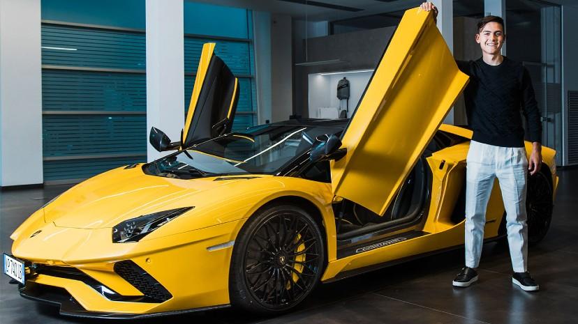 El lunes 17 Lamborghini presentó a Paulo Dybala como nuevo embajador de la marca.