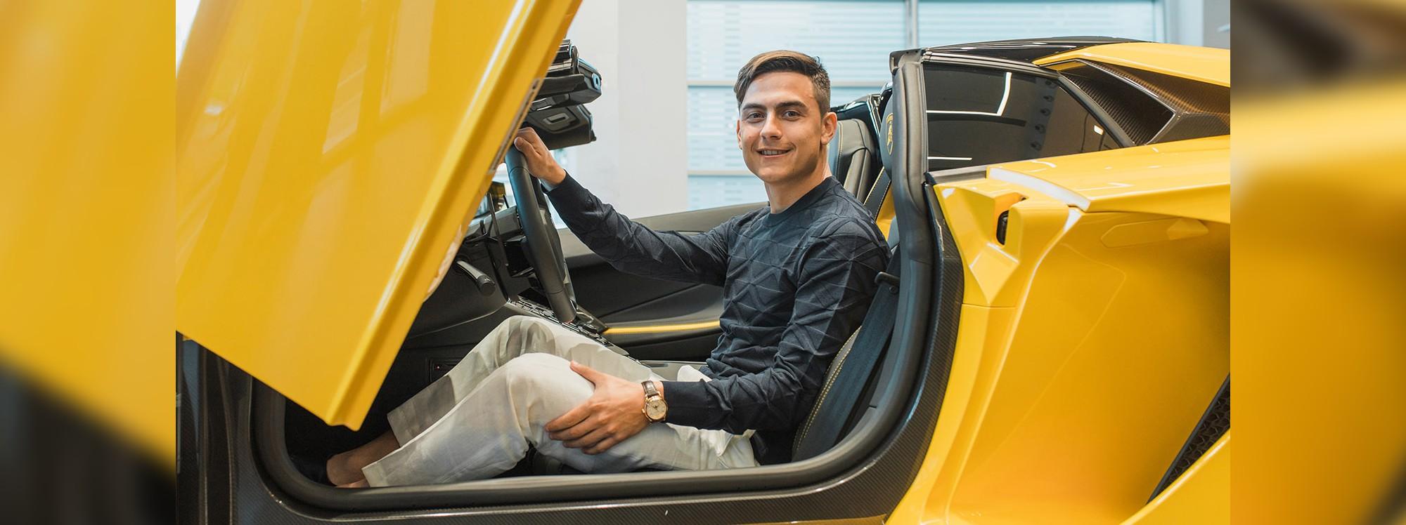 La Juventus bajó a Dybala del Lamborghini y lo subió a un Jeep