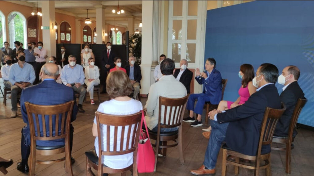 Guillermo Lasso presentó a 14 ministros de su gabinete