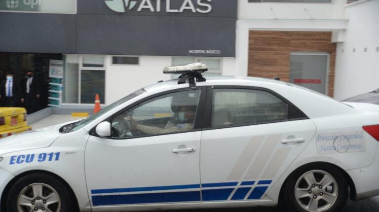 Con custodia policia, Freddy Carrión, defensor del Pueblo, fue trasladado desde la Clínica Atlas hacia la Unidad de Flagrancias, el 17 de mayo de 2021.