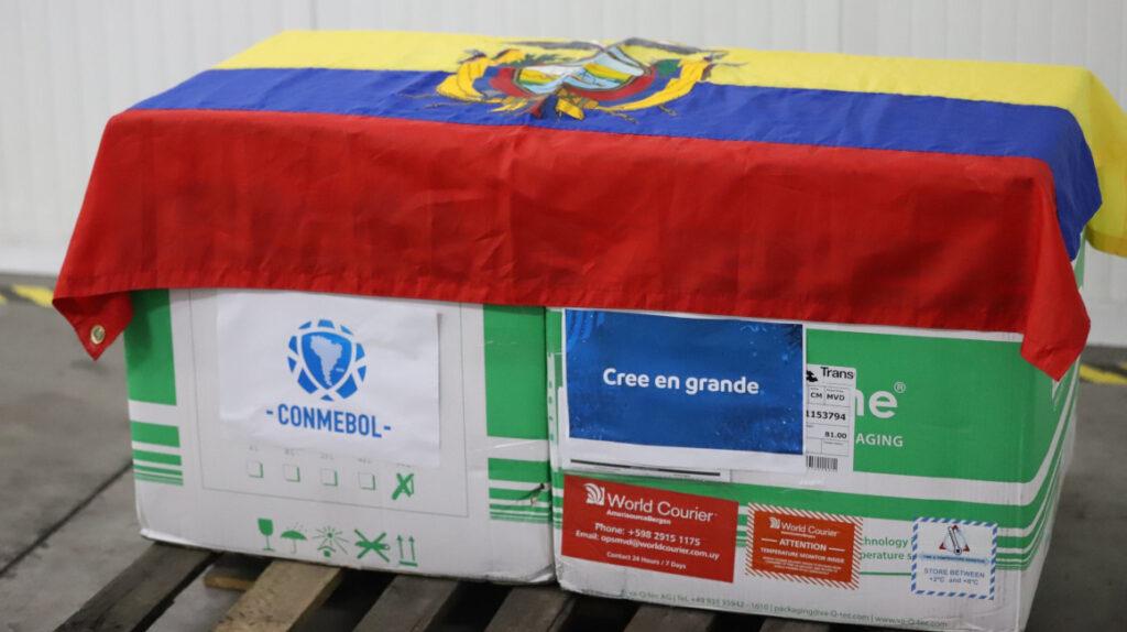 Ecuador recibió 3.520 vacunas Sinovac para vacunar a los futbolistas