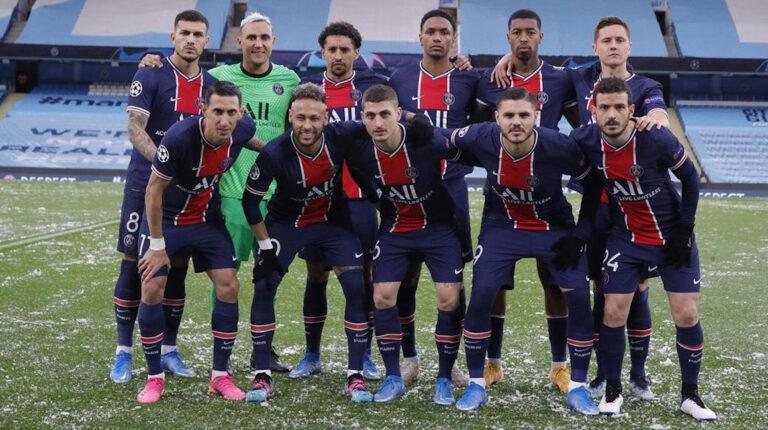 El equipo del PSG, en la foto previo al encuentro con el Manchester City, por las semifinales de la Champions League, el 4 de mayo de 2021.