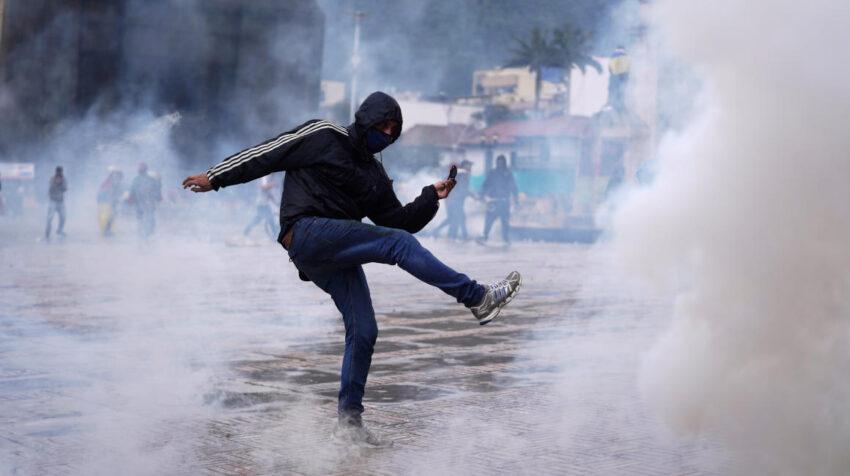 Disturbios en el centro de Bogotá durante las protestas contra Iván Duque, 5 de mayo de 2021.