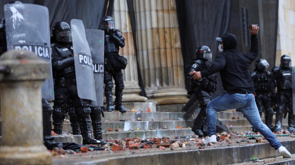 Colombia: Gobierno abre diálogo sin la oposición y las protestas continúan