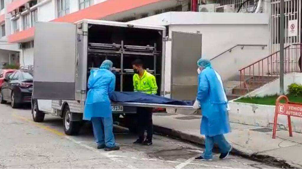 Cinco detenidos por el asesinato de una mujer en una clínica en Guayaquil