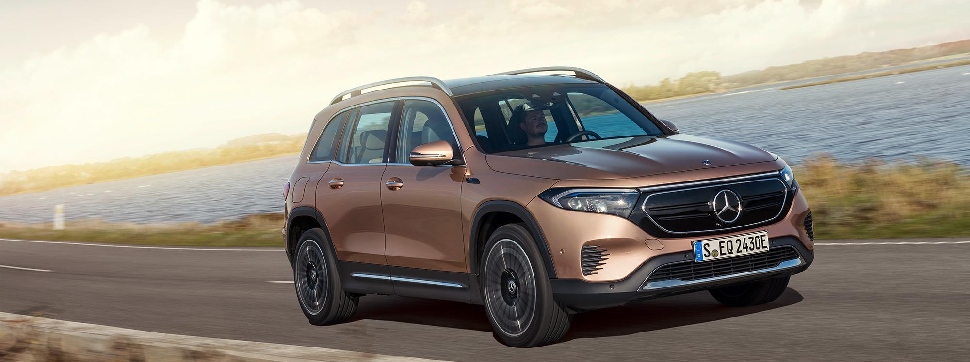 Mercedes estrena vehículo y aplicación