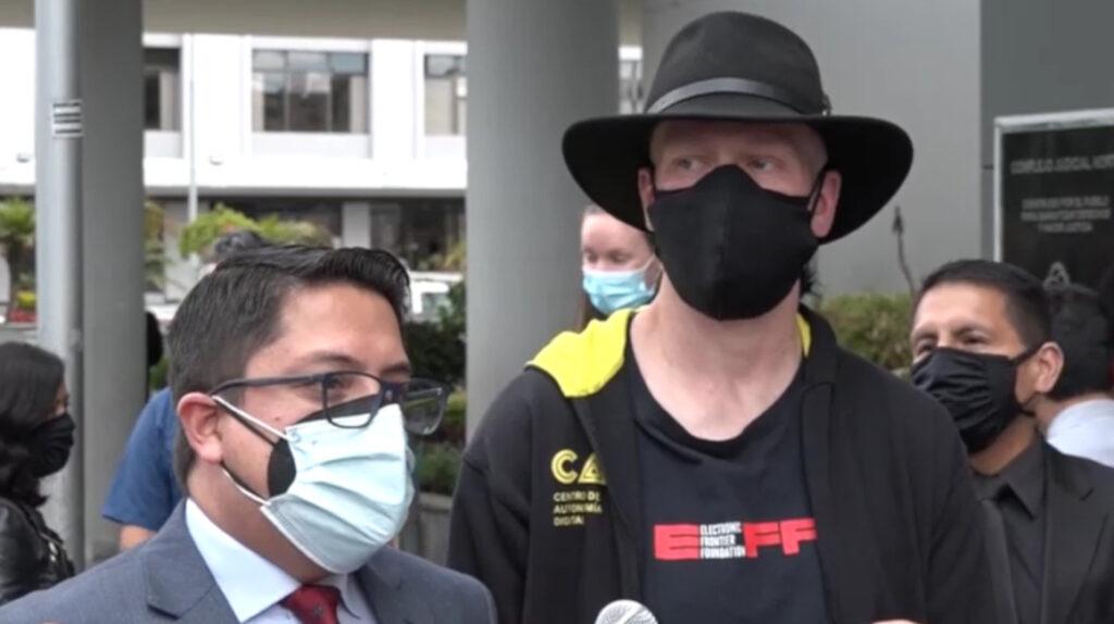 Ola Bini irá a juicio por acceso no consentido a sistema informático