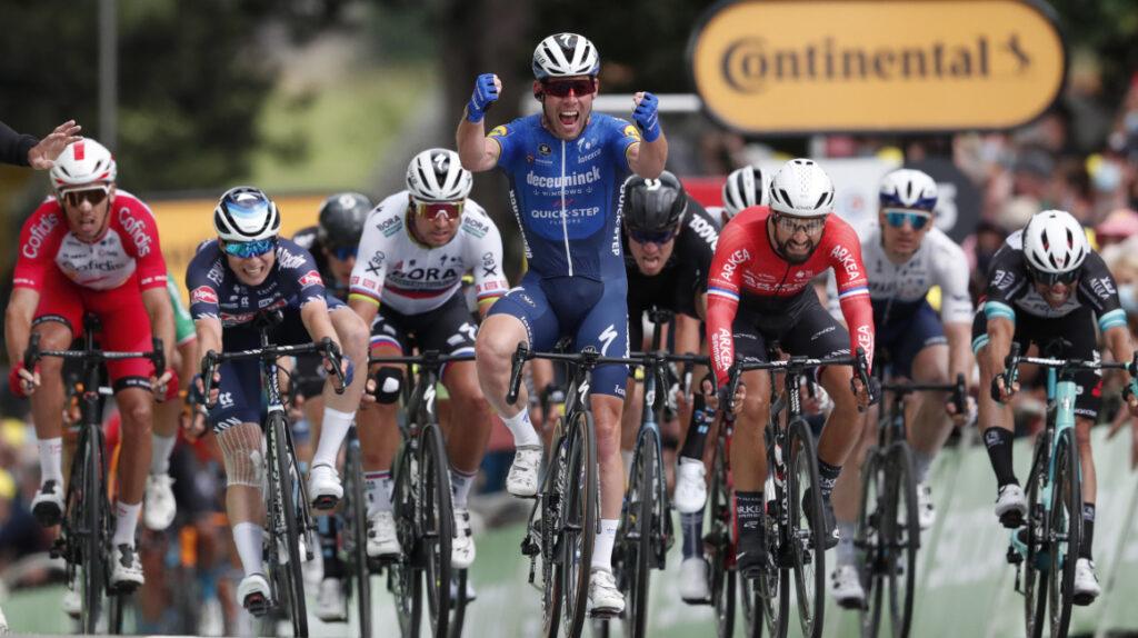Cavendish vuelve a ganar una etapa en el Tour después de cinco años