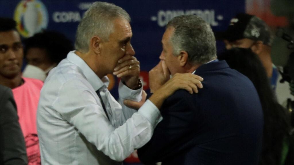 """Gustavo Alfaro: """"Me siento orgulloso de estos jugadores"""""""