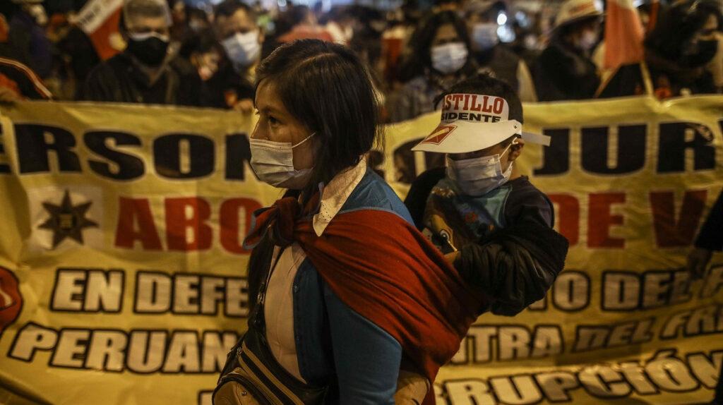 Perú: sendas protestas de simpatizantes de Castillo y Fujimori