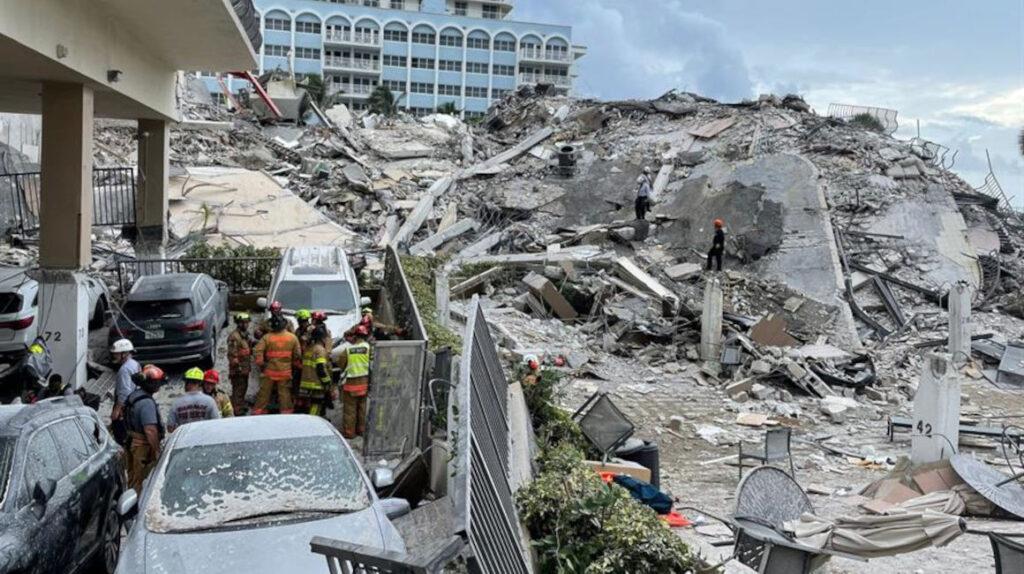 Rescatistas apuran búsqueda tras derrumbe en Miami: hay 159 desaparecidos