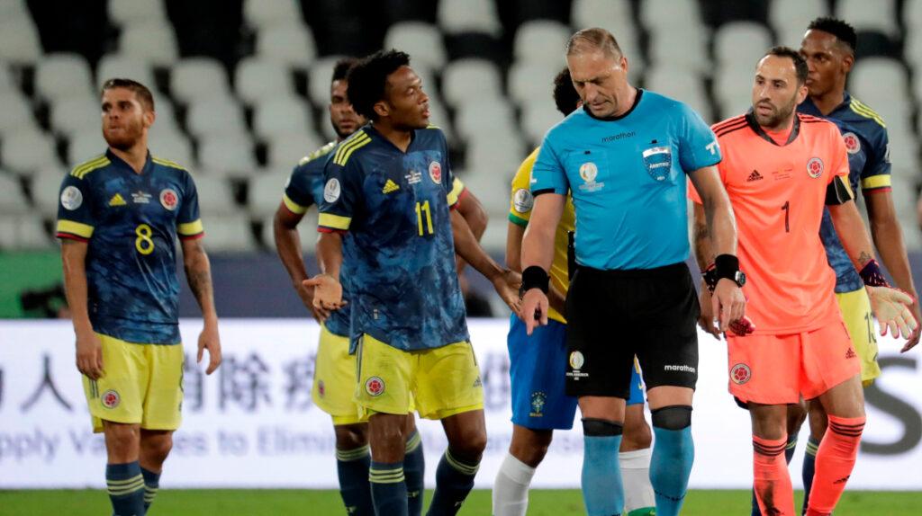 Colombia pide a la Conmebol la suspensión del árbitro Néstor Pitana
