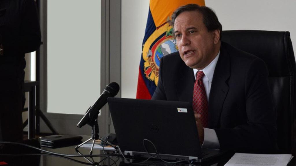 Ministro Cueva dice que luchará contra exenciones tributarias