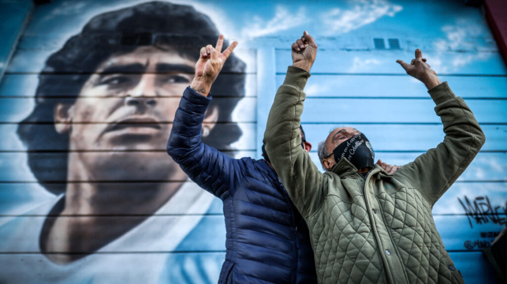 Argentina grita el 'Gol del Siglo' de Maradona 35 años después