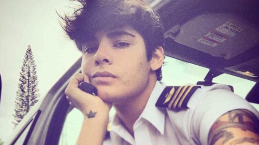 Damaris, a los 21 años, cuando se graduó de piloto comercial.