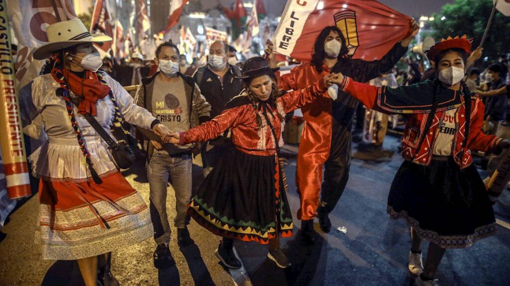 """65 % de peruanos cree que hay """"indicios"""" de fraude electoral, dice sondeo"""