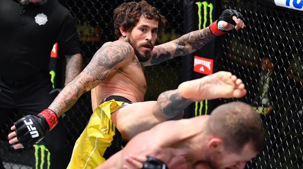 'Chito' Vera sube al puesto 13 en el ranking de peso gallo de la UFC