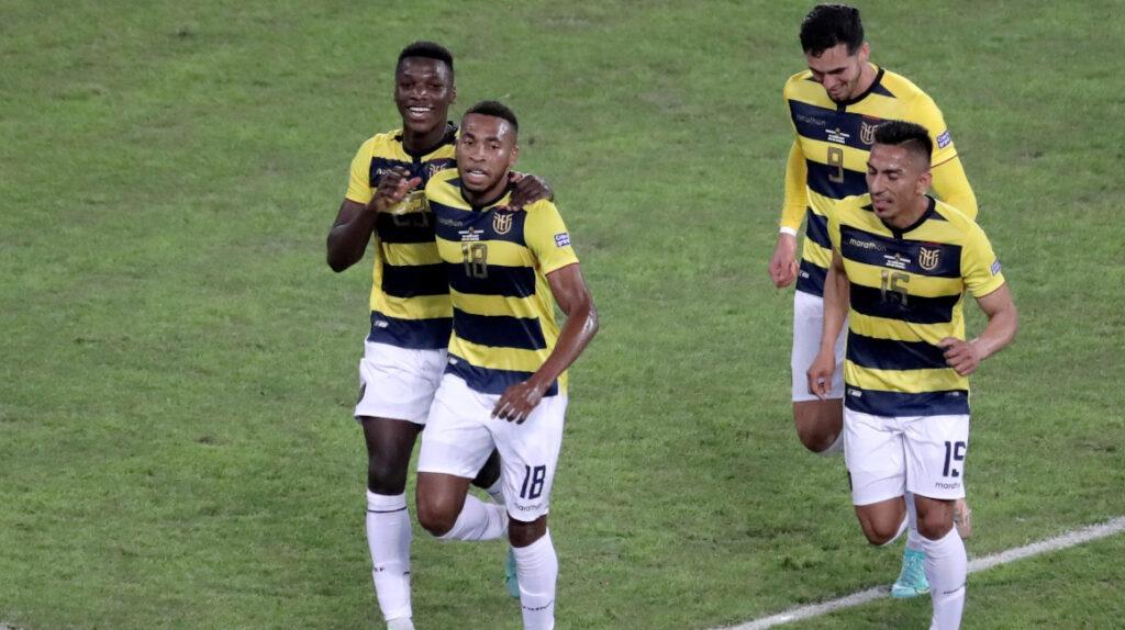 Ecuador no levanta su nivel y se complica en la Copa América