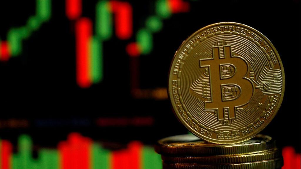 El mercado de bitcoins mueve USD 400 millones al año en Ecuador