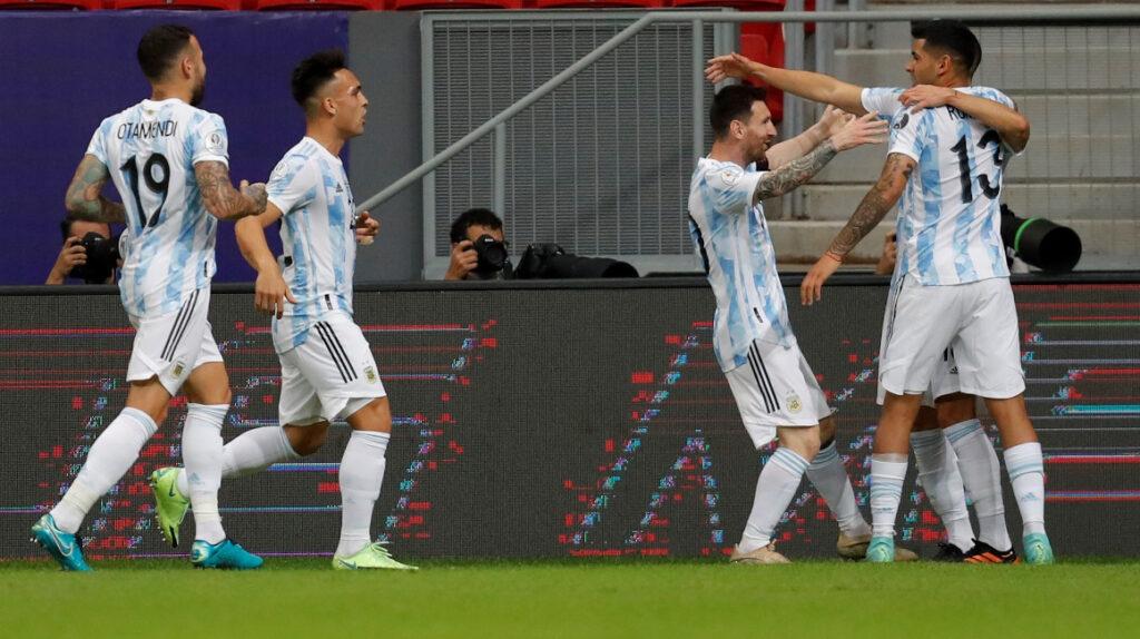 Argentina derrota a Uruguay con Lionel Messi como la gran figura
