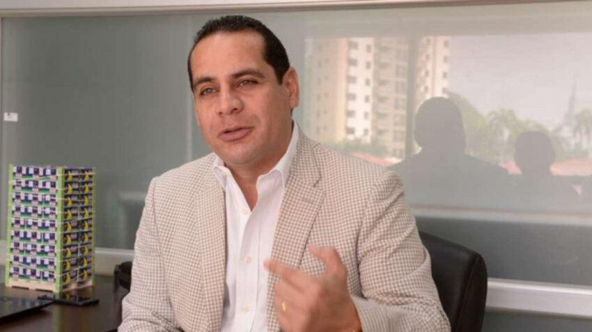 Richard Salazar, presidente de la Asociación de Comercialización y Exportación de Banano (Acorbenec), durante una entrevista en 2020.
