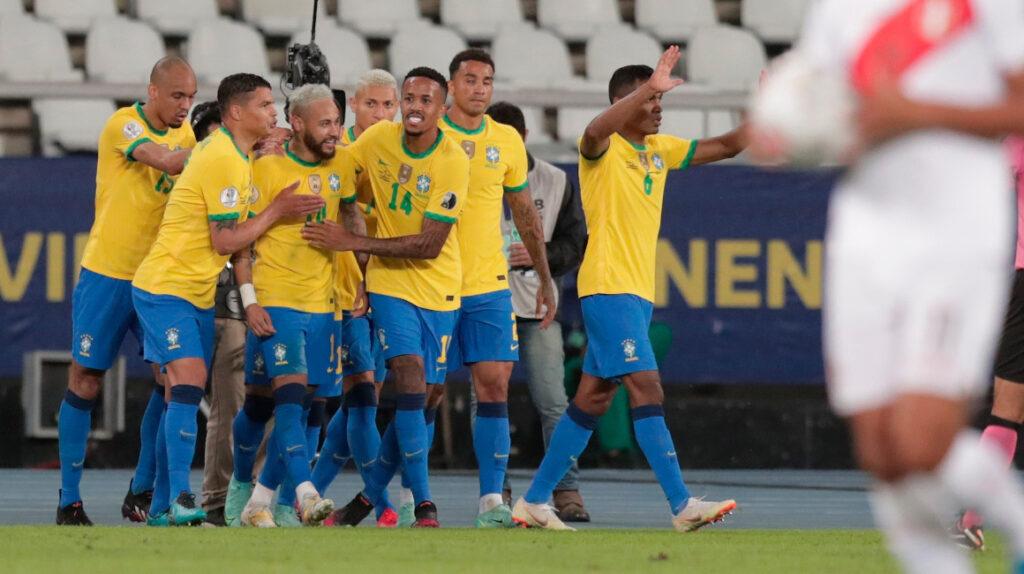 Brasil golea a Perú y lidera el Grupo B de la Copa América