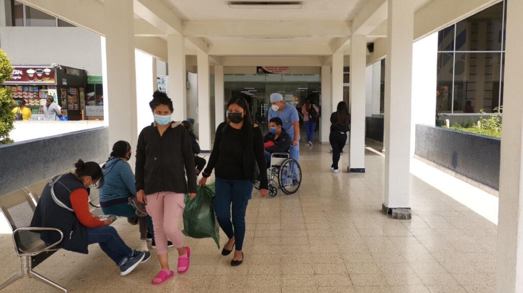 La ministra Garzón admite una crisis en el sistema público de salud